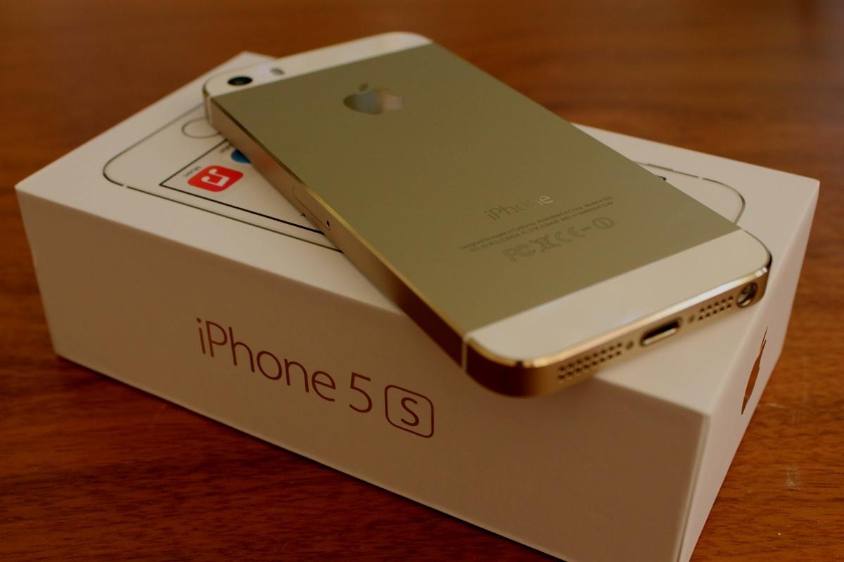 Apple сняли с продажи iPhone 5s и iPad Air первого поколения
