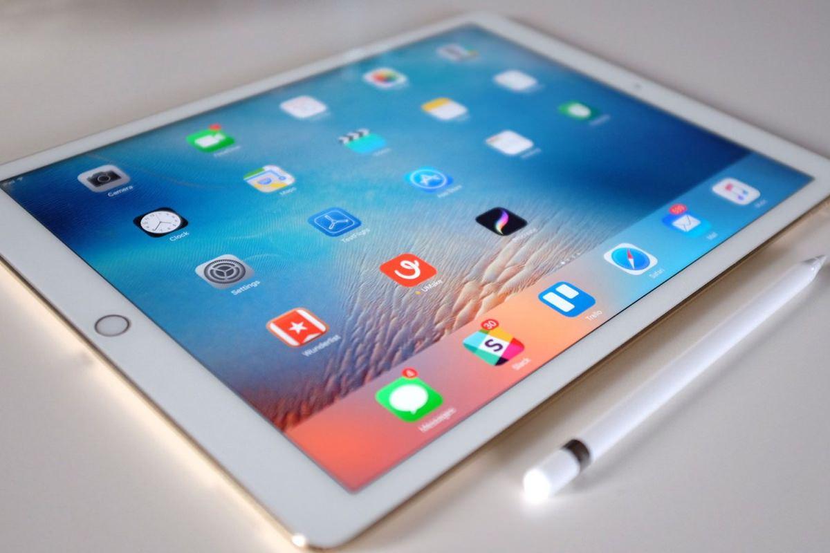 Apple начала принимать предварительные заказ на iPhone SE и iPad Pro 9,7
