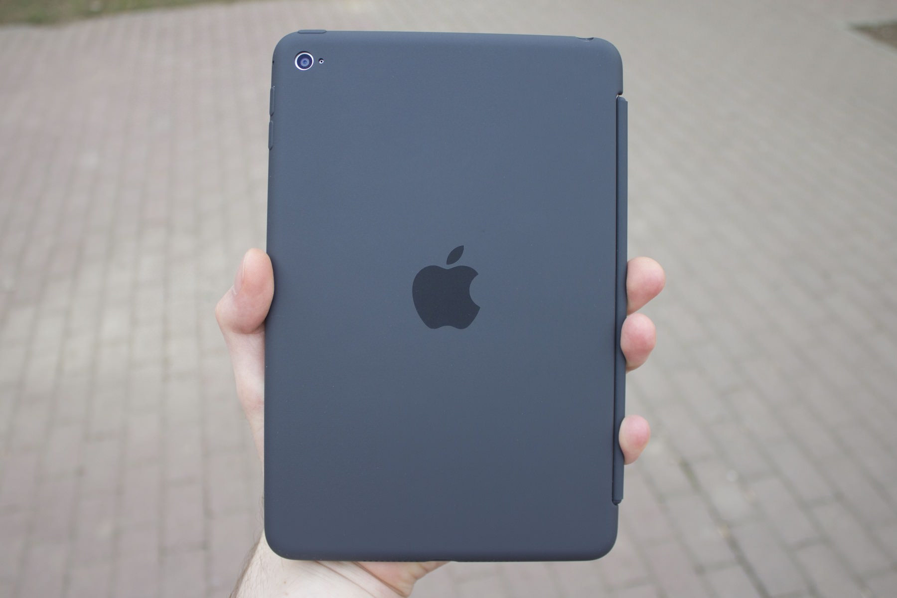 Обзор защитного чехла Apple Silicone Case для iPad mini 4