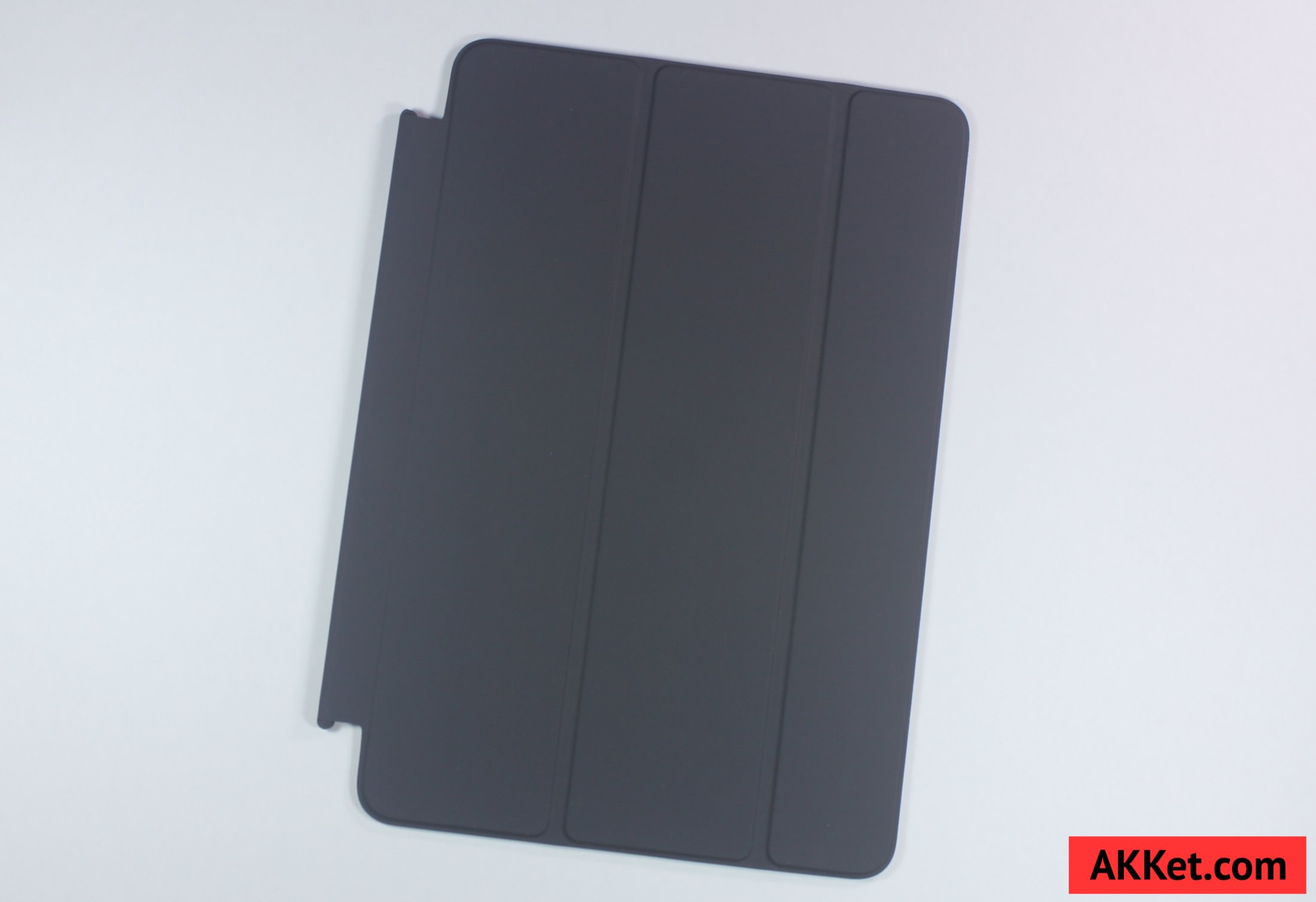 Apple Smart Cover iPad mini 4 review Charcoal Gray 10