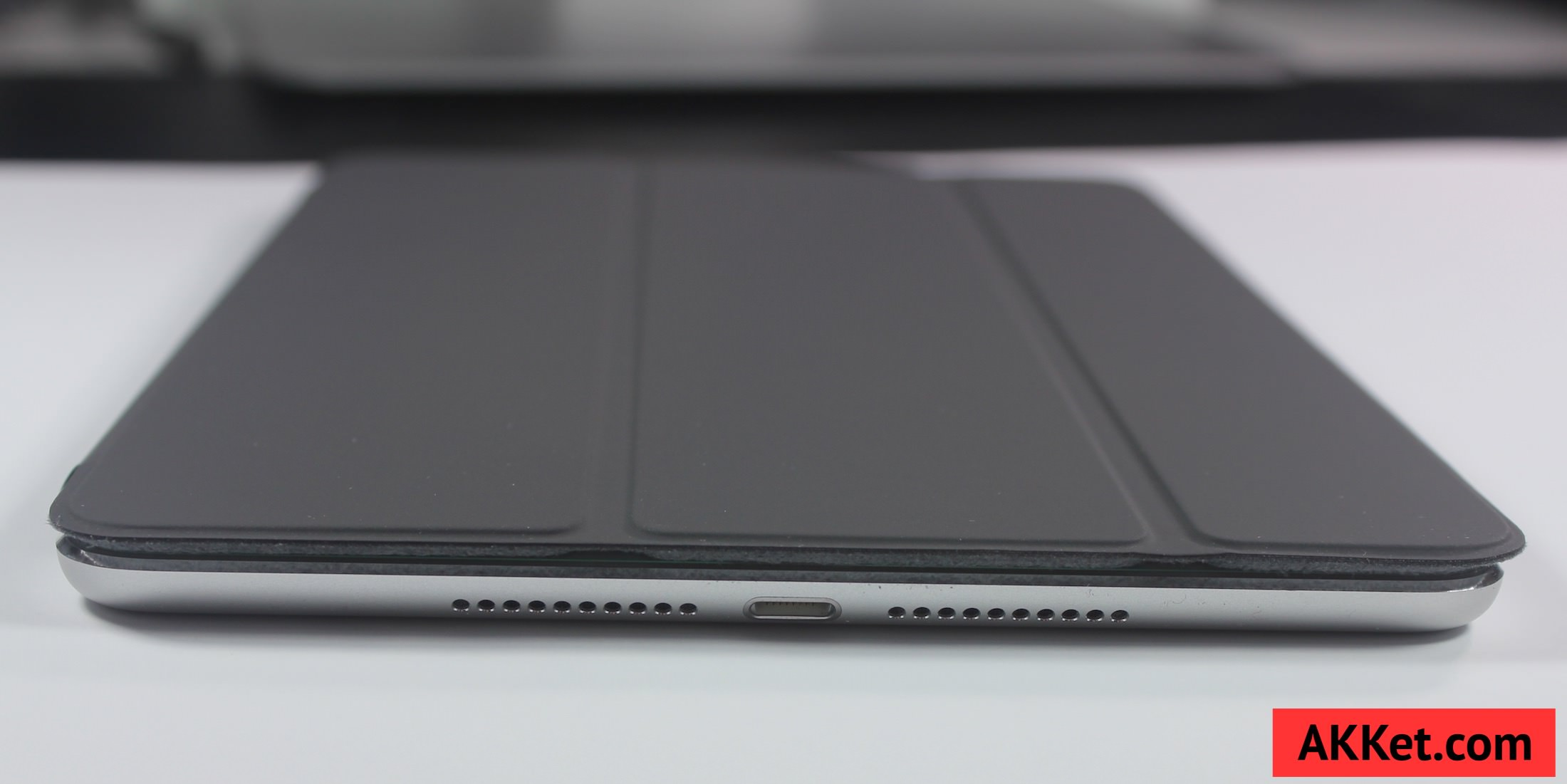 Apple Smart Cover iPad mini 4 review Charcoal Gray 2