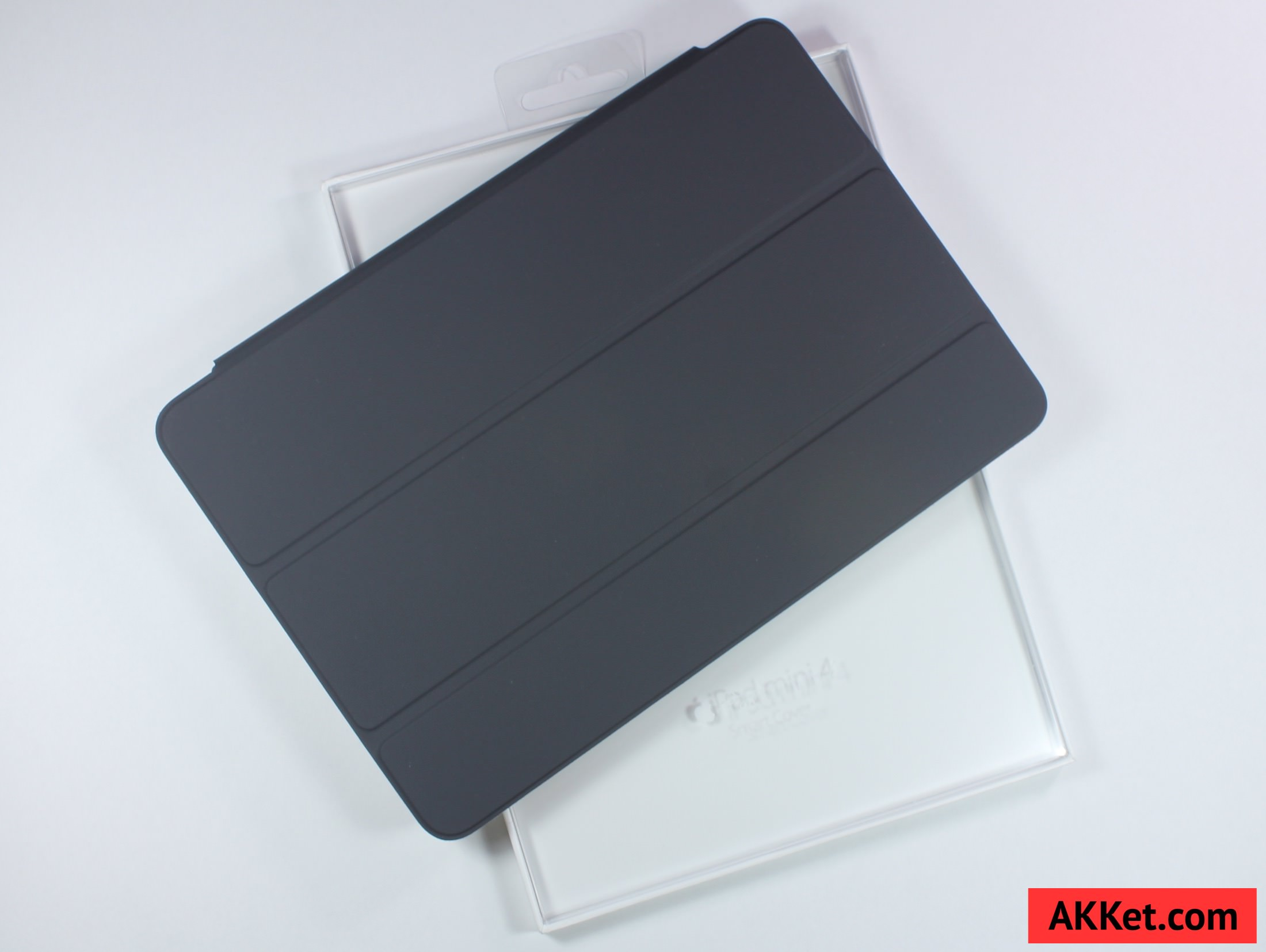 Apple Smart Cover iPad mini 4 review Charcoal Gray 4