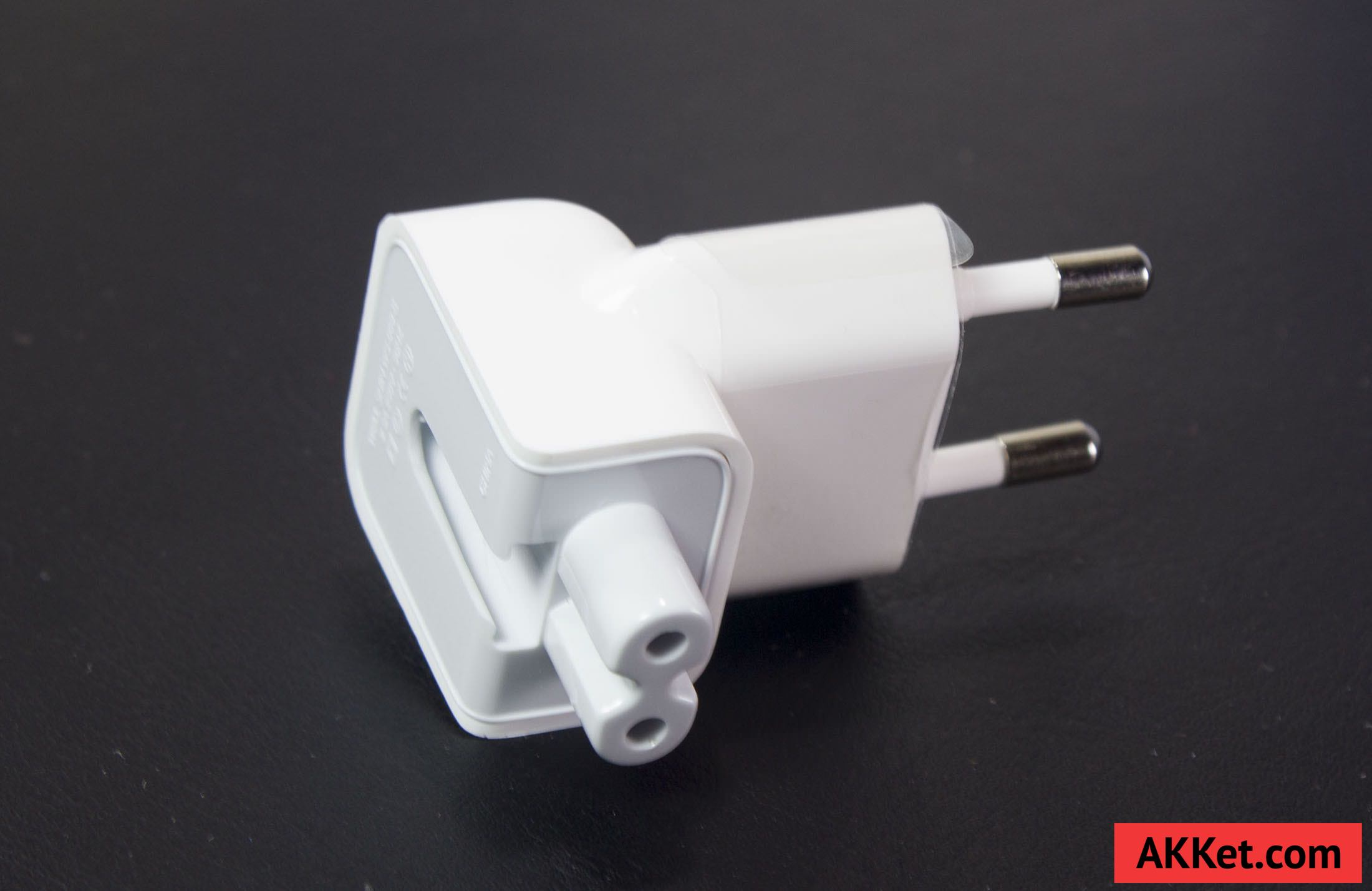 Apple USB Power Adapter 12W iPhone iPad 7