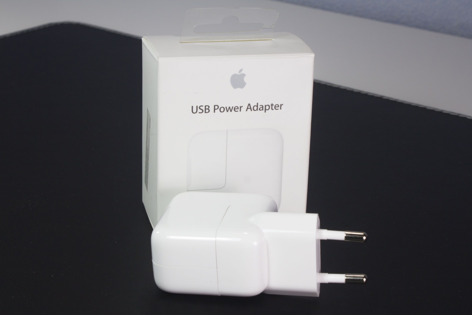 Обзор Apple USB Power Adapter 12W для iPhone и iPad