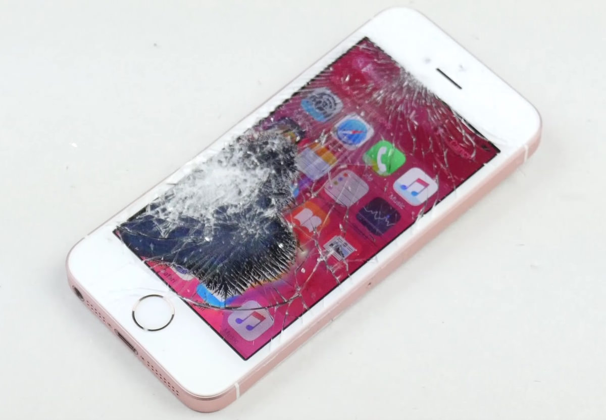 Apple iPhone SE Crash test 2