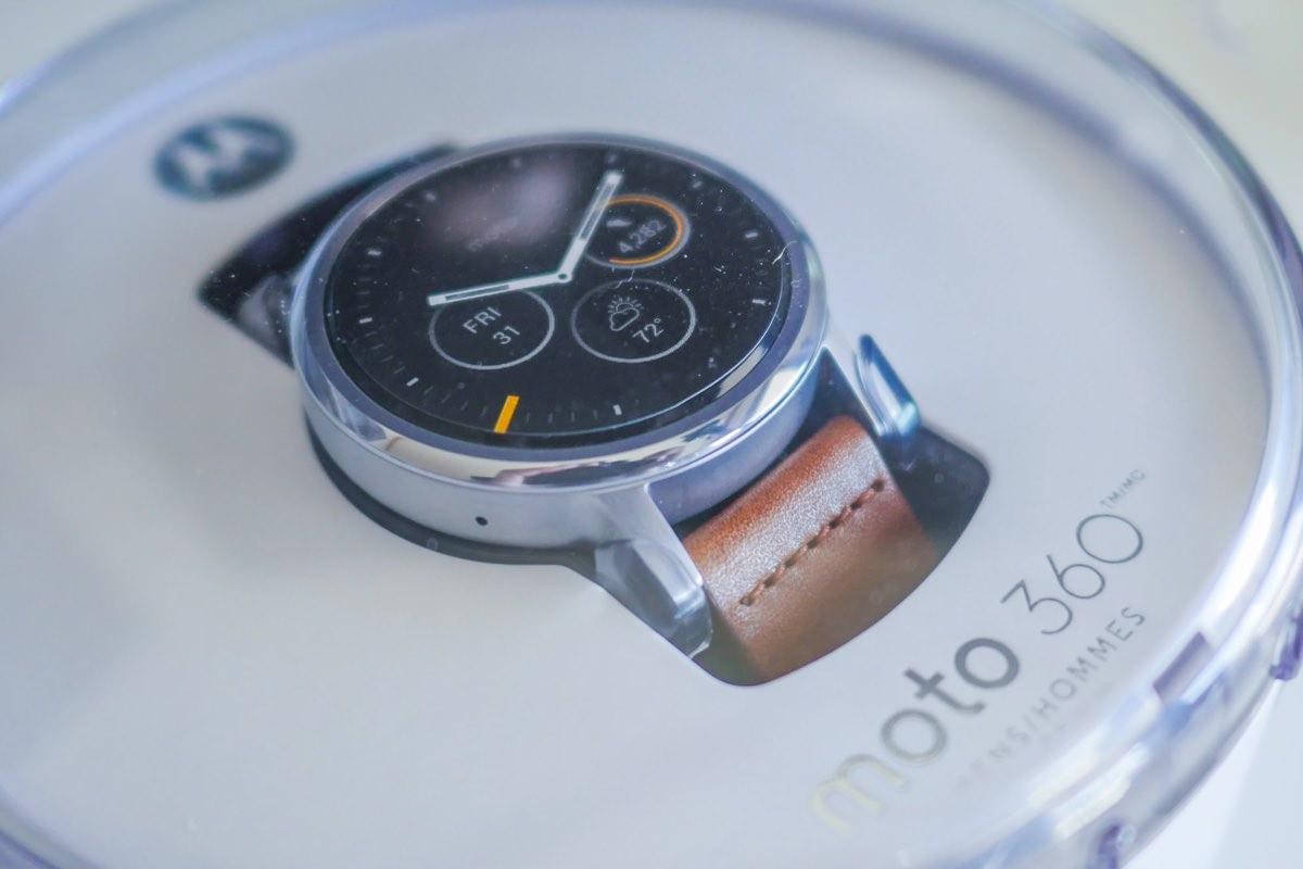 Смарт-часы Motorola Moto 360 начали официально продаваться в России