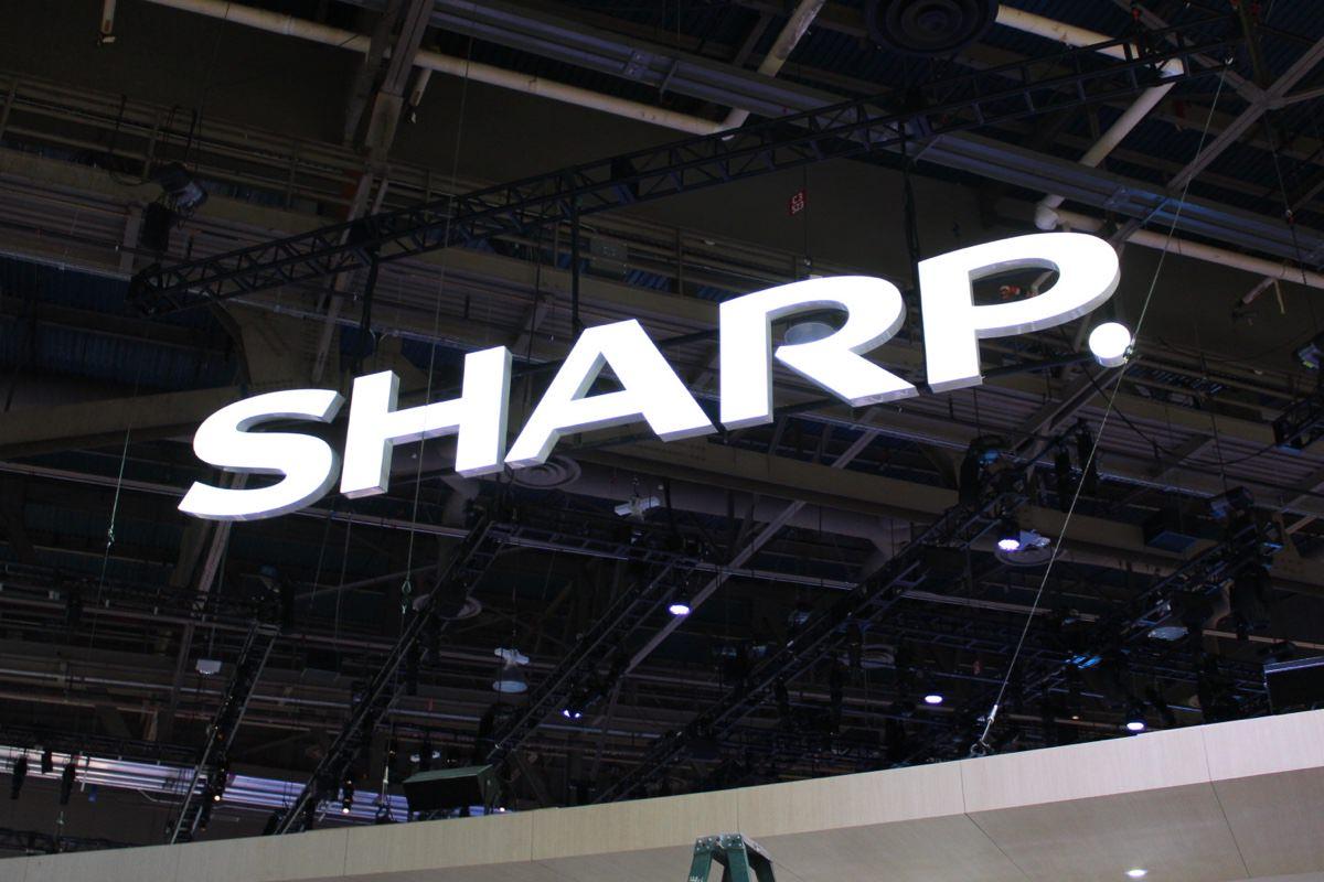 Sharp представила первый в мире гибкий OLED-дисплей