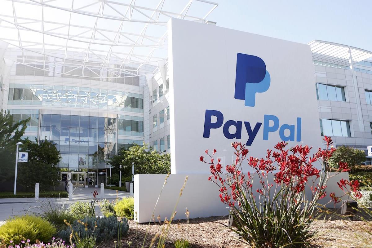 Соцсеть «ВКонтакте» начала принимать оплату за услуги через PayPal