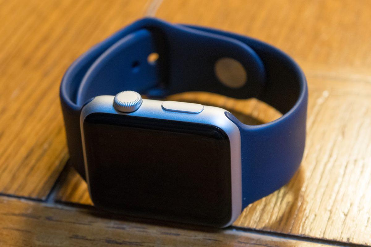 Российский суд признал Apple Watch обычными часами