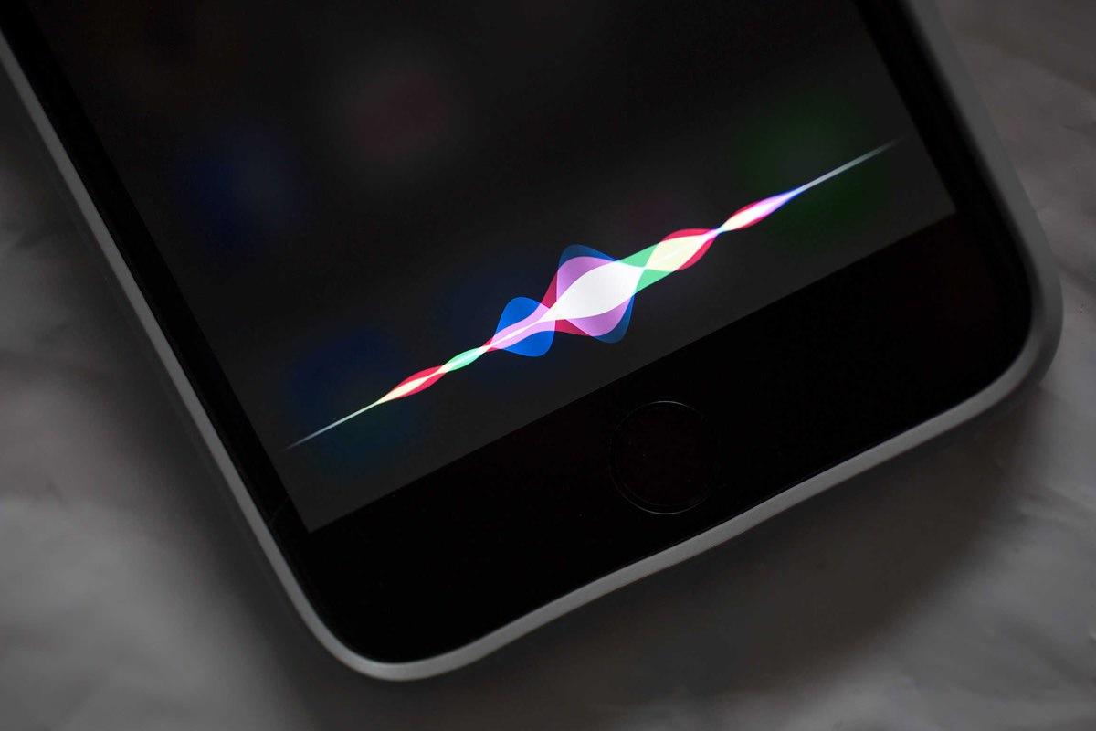 В операционной системе macOS появится голосовой ассистент Siri
