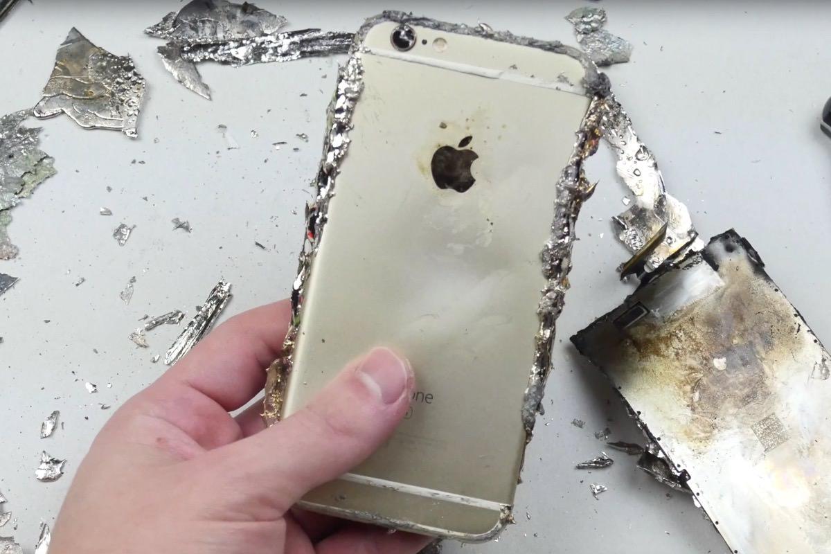 iPhone 6s залили расплавленным металлом