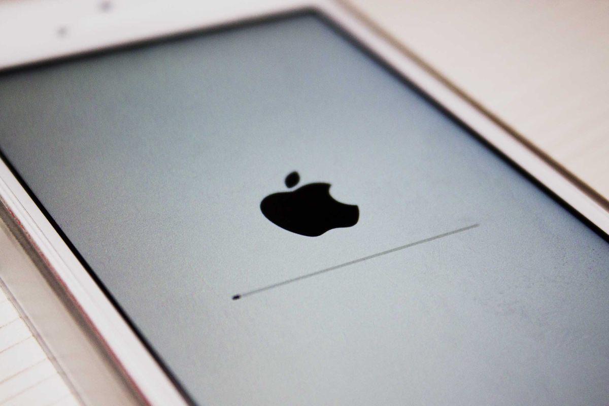 Создан джейлбрейк для iOS 9.3.2 и iOS 9.3.3 beta