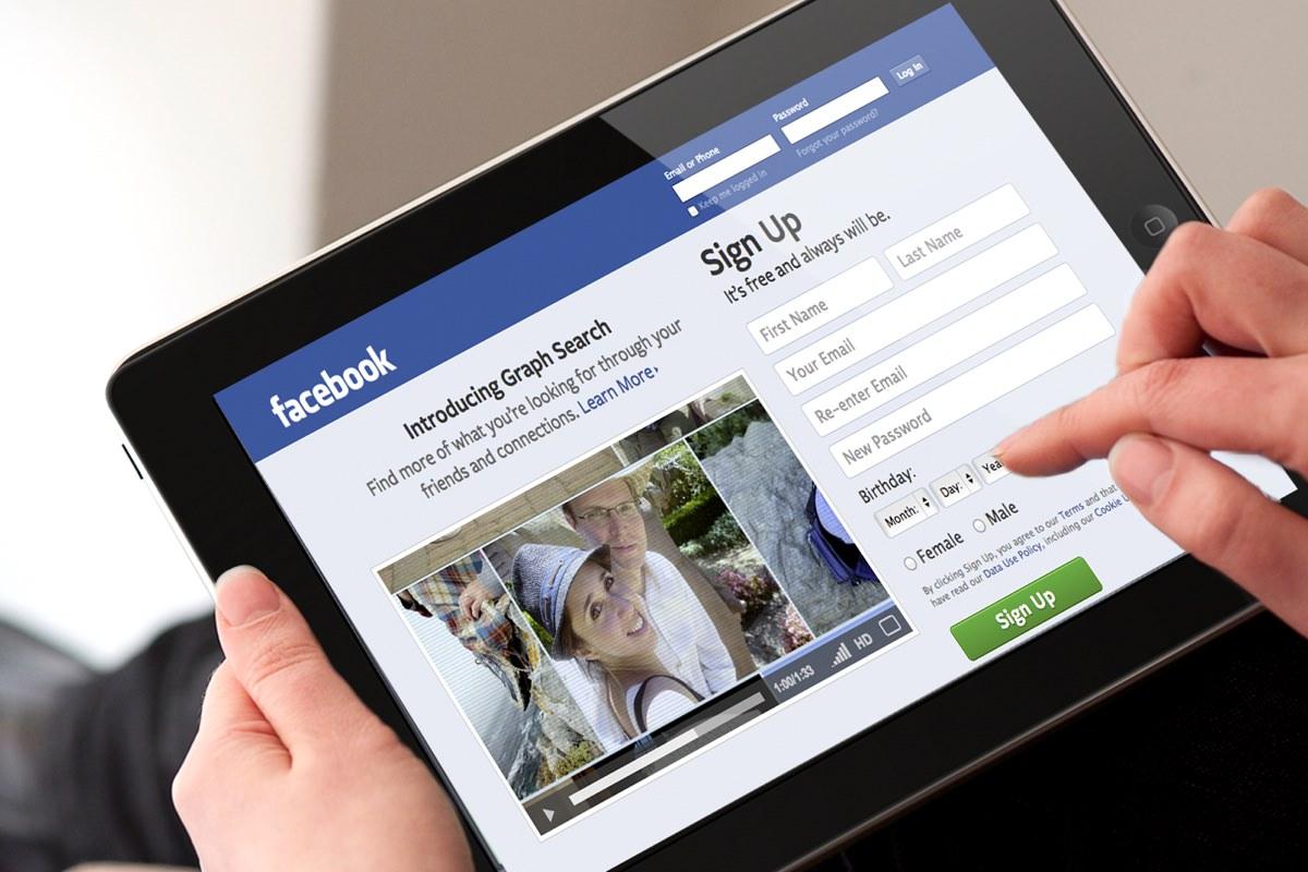 Популярность Facebook в России выросла на 37% за один год