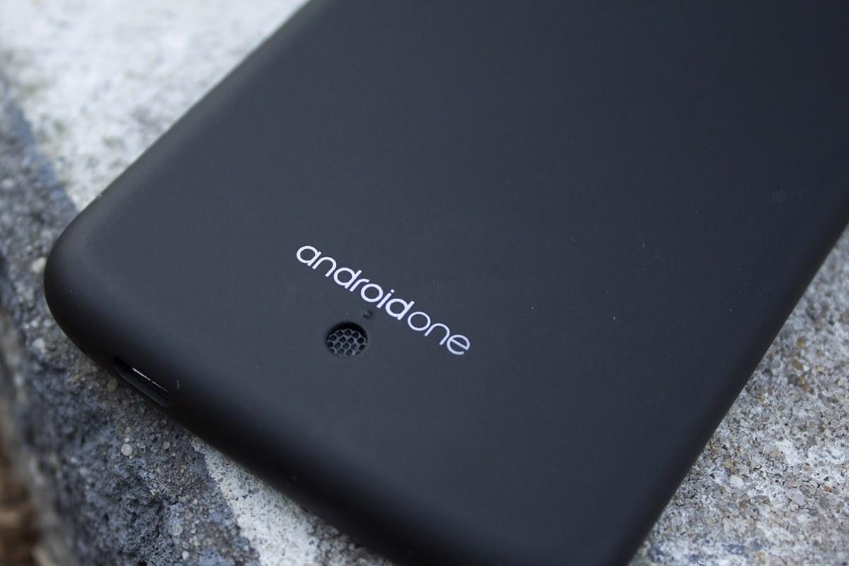 Google работает над новыми смартфонами из линейки Android One