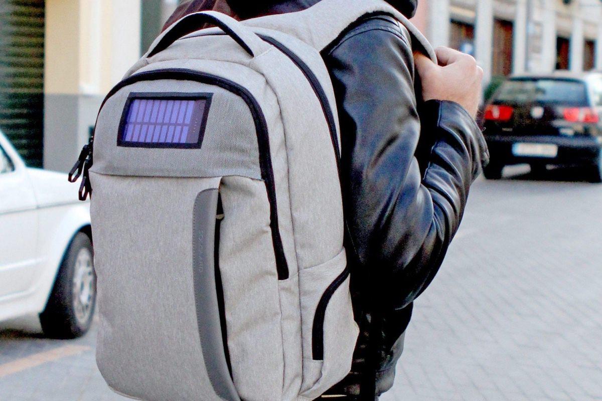 Рюкзак Lifepack с Kickstarter заряжает электронные устройства