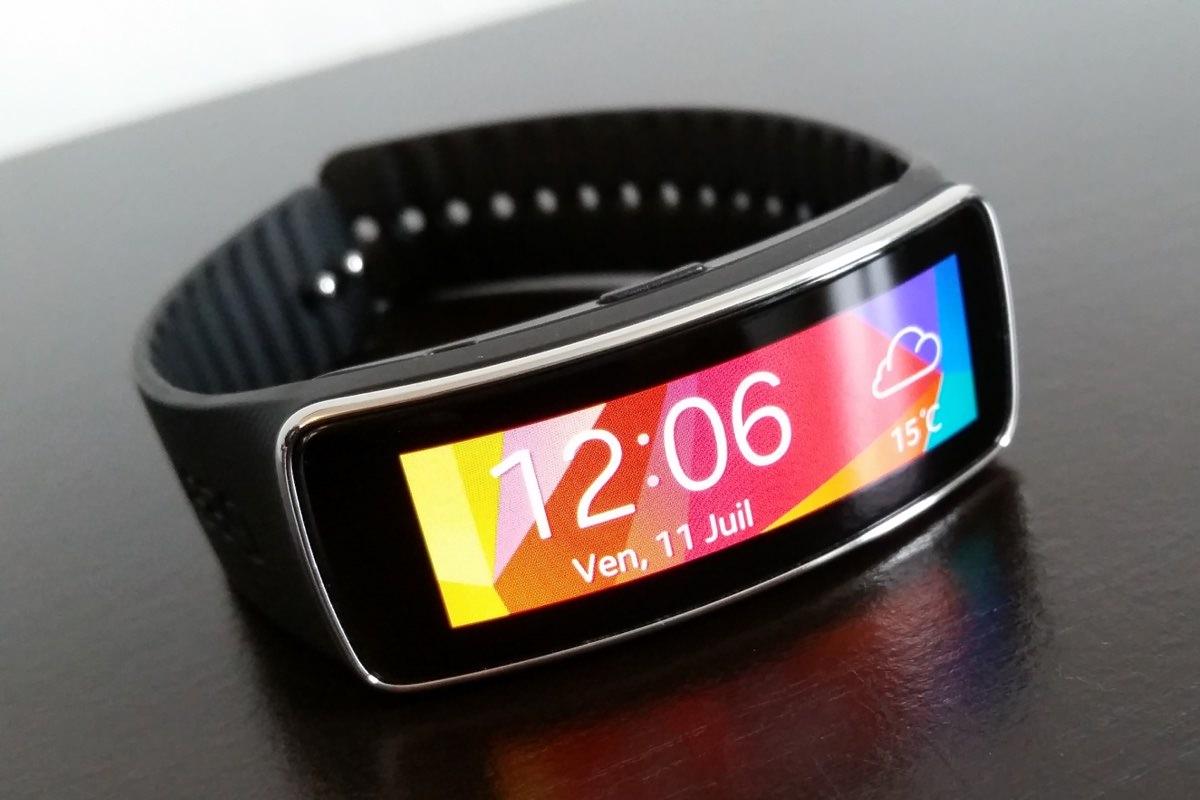 Первый в мире телефон-браслет от Moxi начнет продаваться в этом году