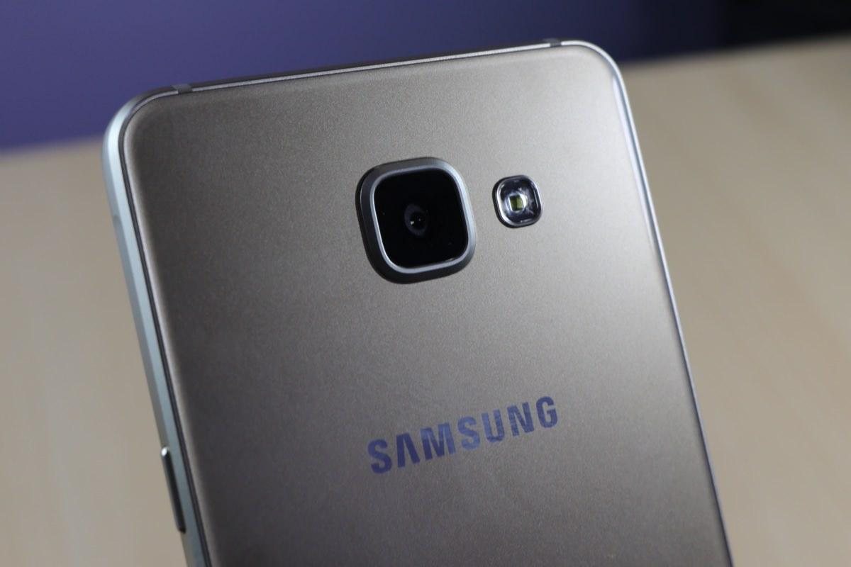 Samsung работает над смартфоном Galaxy A4