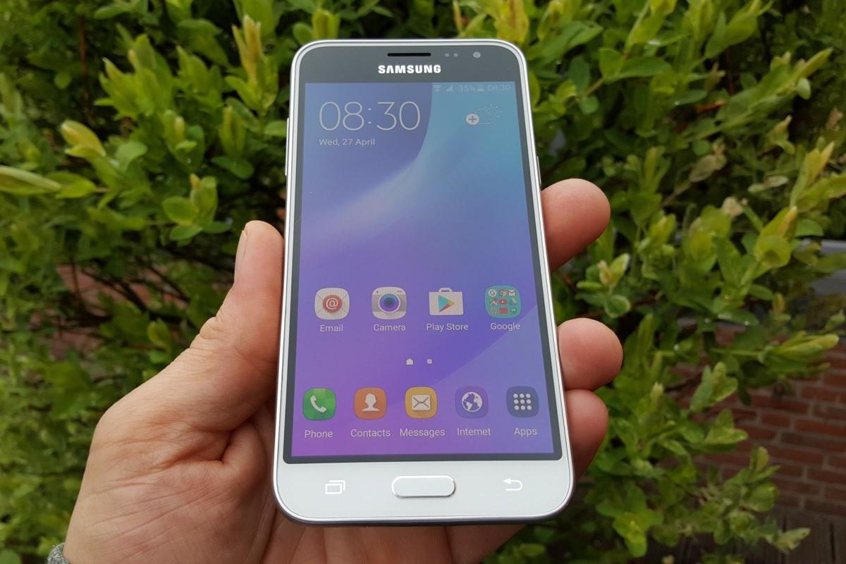 Samsung выпустит 8-ядерный Galaxy J3 (2017) до конца года