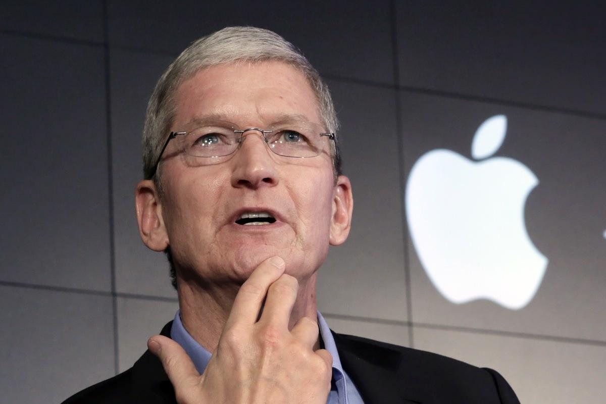 Глава Apple планирует снизить стоимость iPhone за пределами США