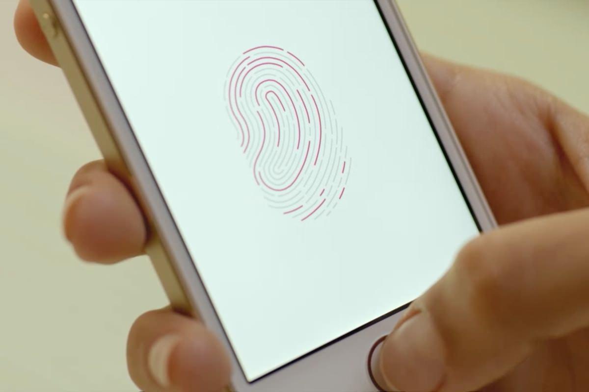 Apple получила патент на сканер Touch ID интегрированный в дисплей