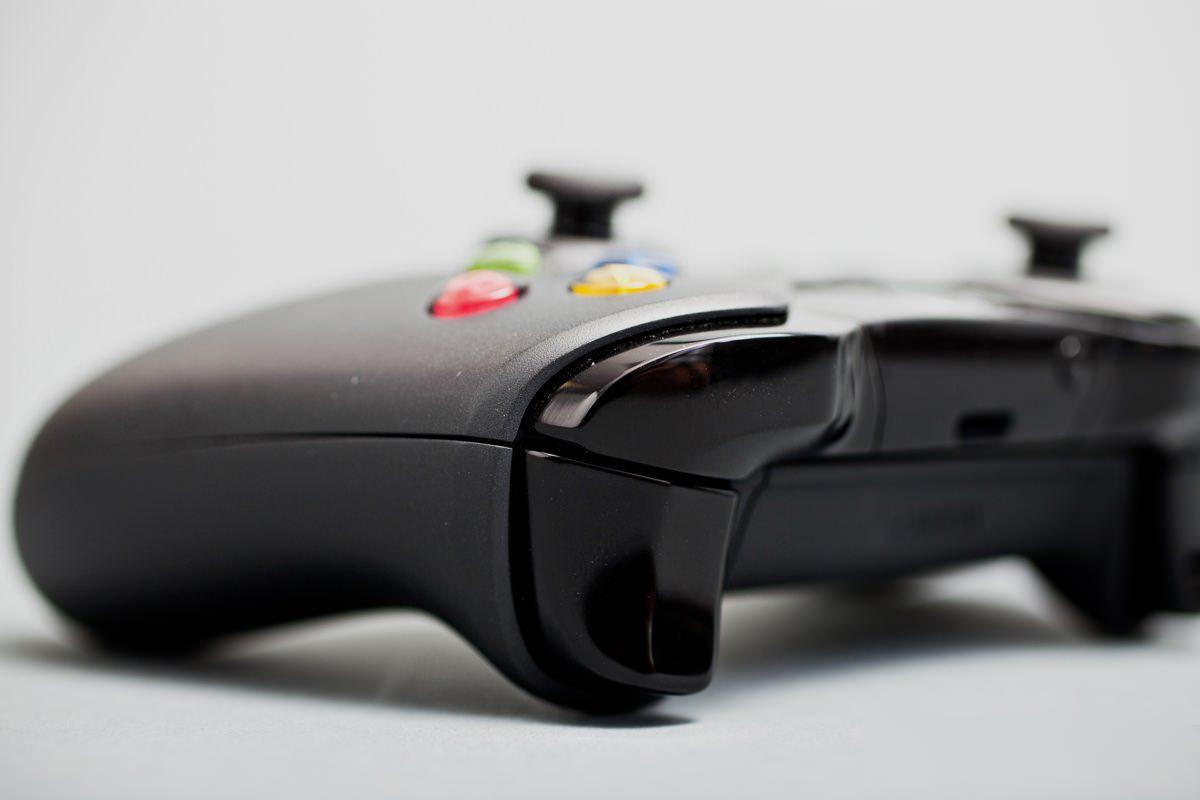 Новая игровая консоль Xbox будет в 5 раз производительнее PS4