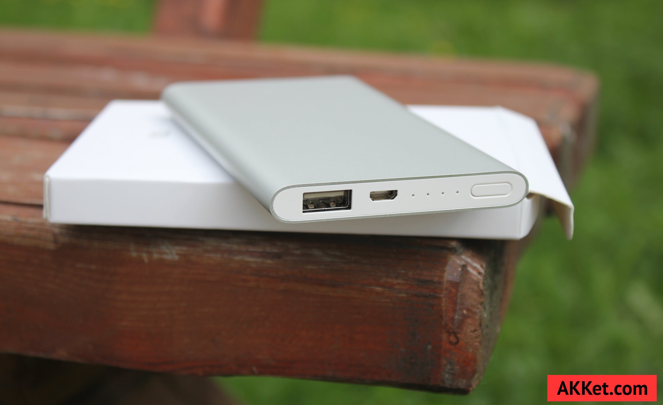 Xiaomi Mi Power Bank 5000 mAh Review iPhone 12