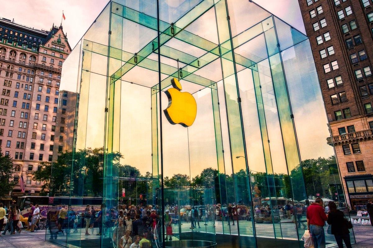 В российском магазине Apple Store появилась поддержка банковских карт