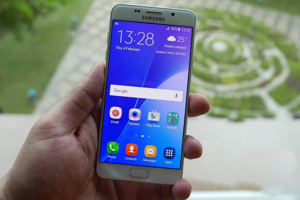 Samsung Galaxy A5 (2016) начал обновляться до Android 6.0.1 Marshmallow