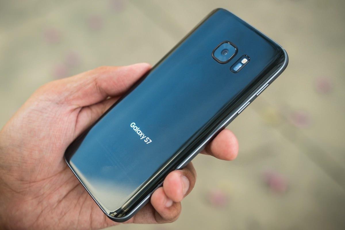 Samsung установит в Galaxy S8 дисплей с разрешением 4K