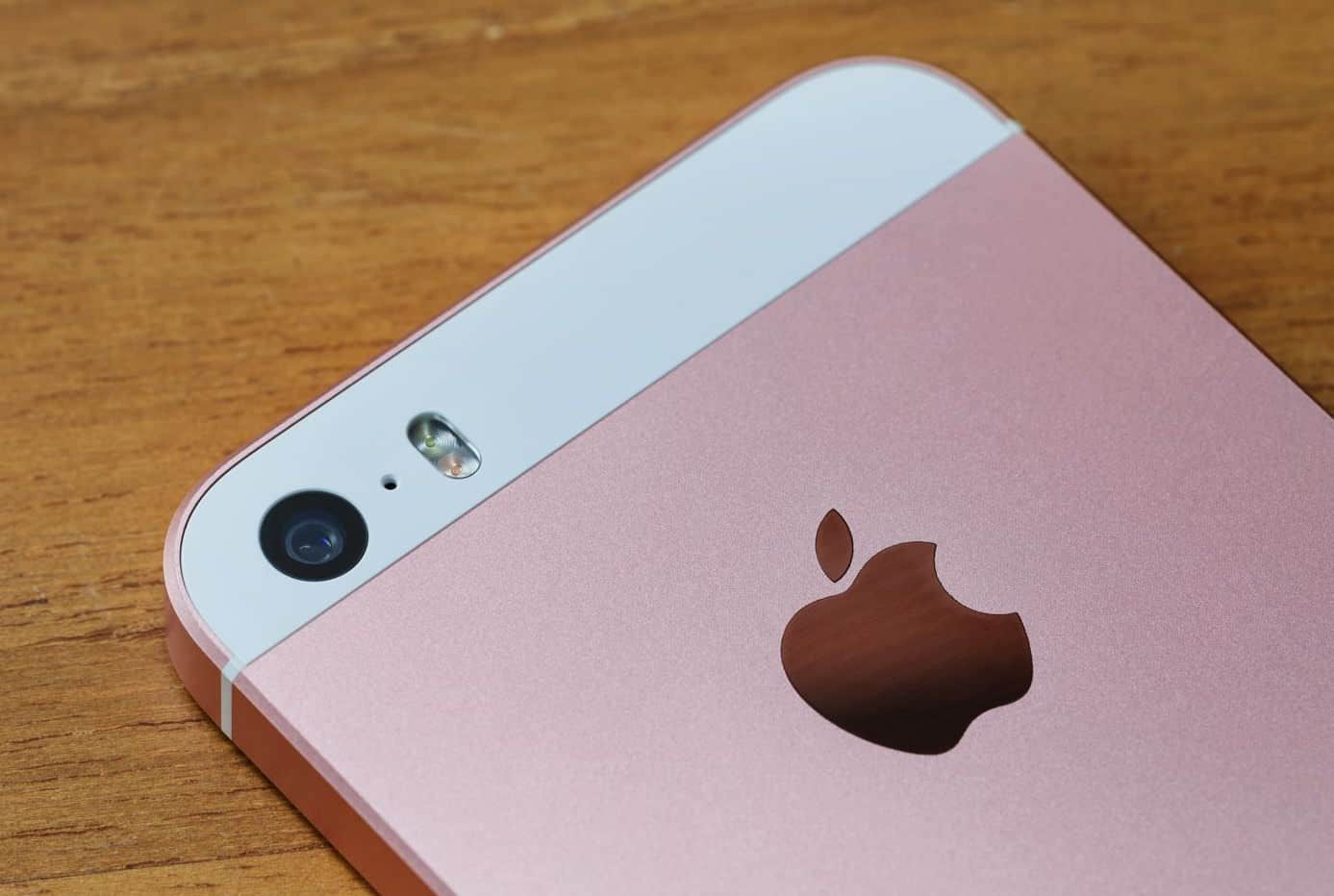 Apple iPhone SE vs. iPhone 6s Plus test Review 2