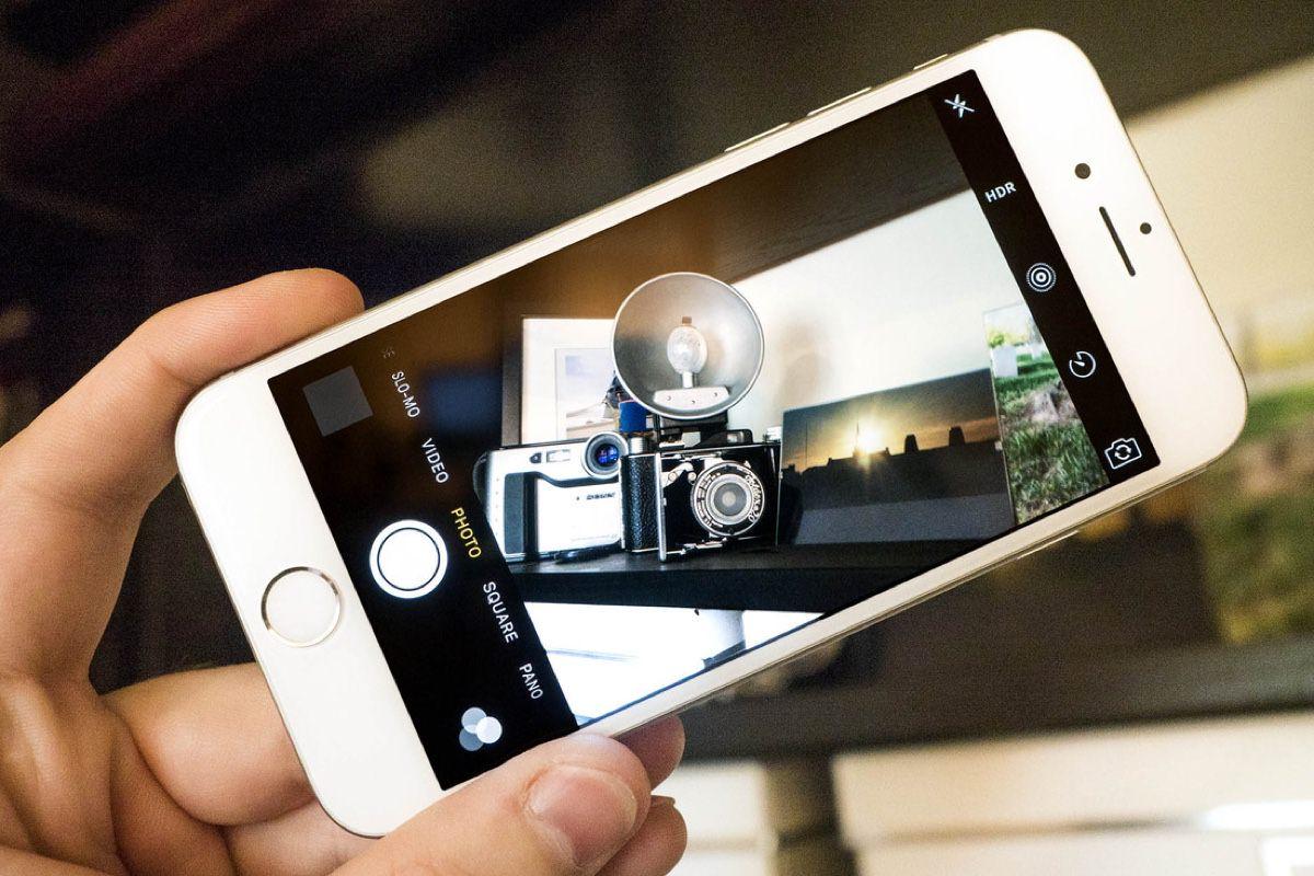 Apple научила iPhone принудительно отключать камеру на концертах
