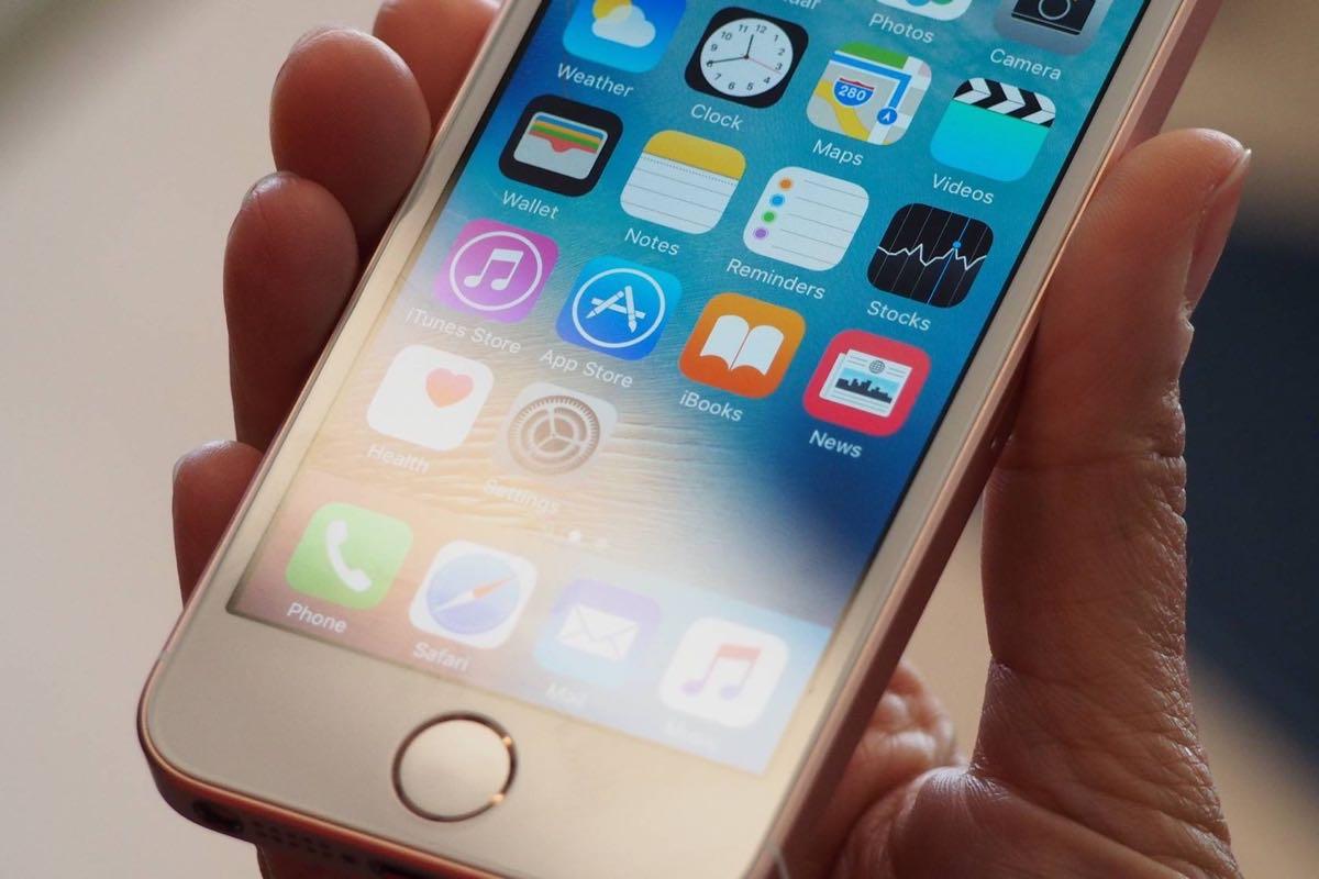 Apple iPhone 8 AMOLED