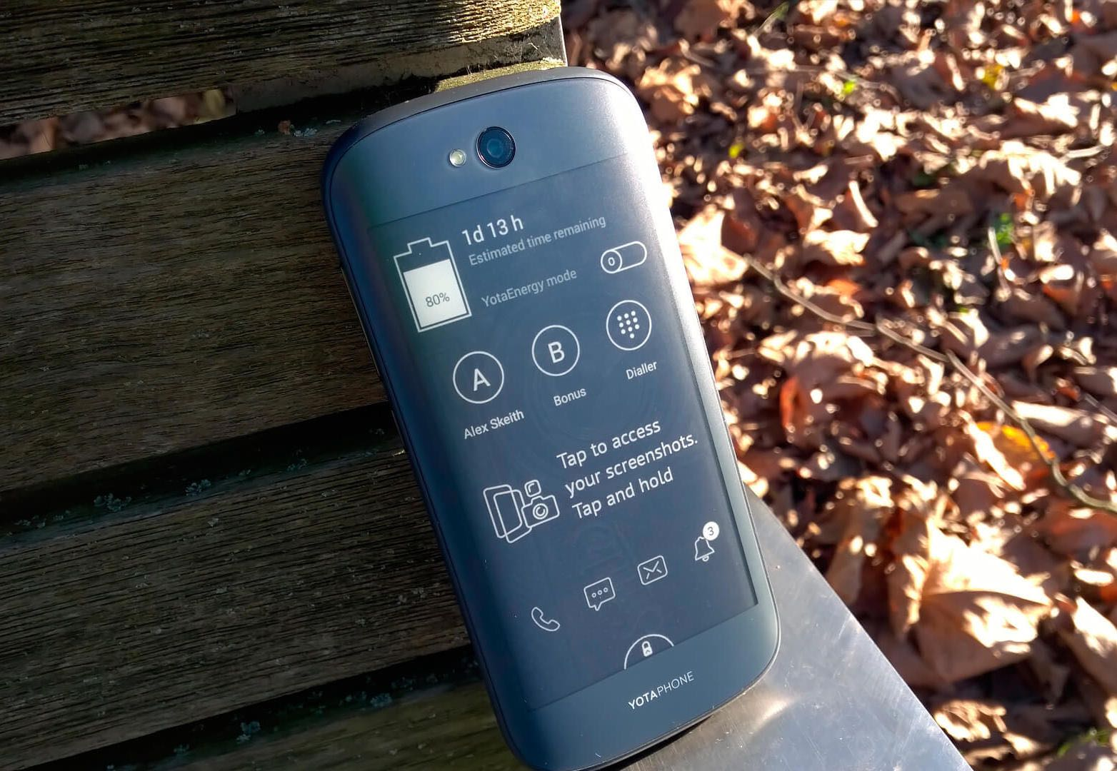 YotaPhone 2 3