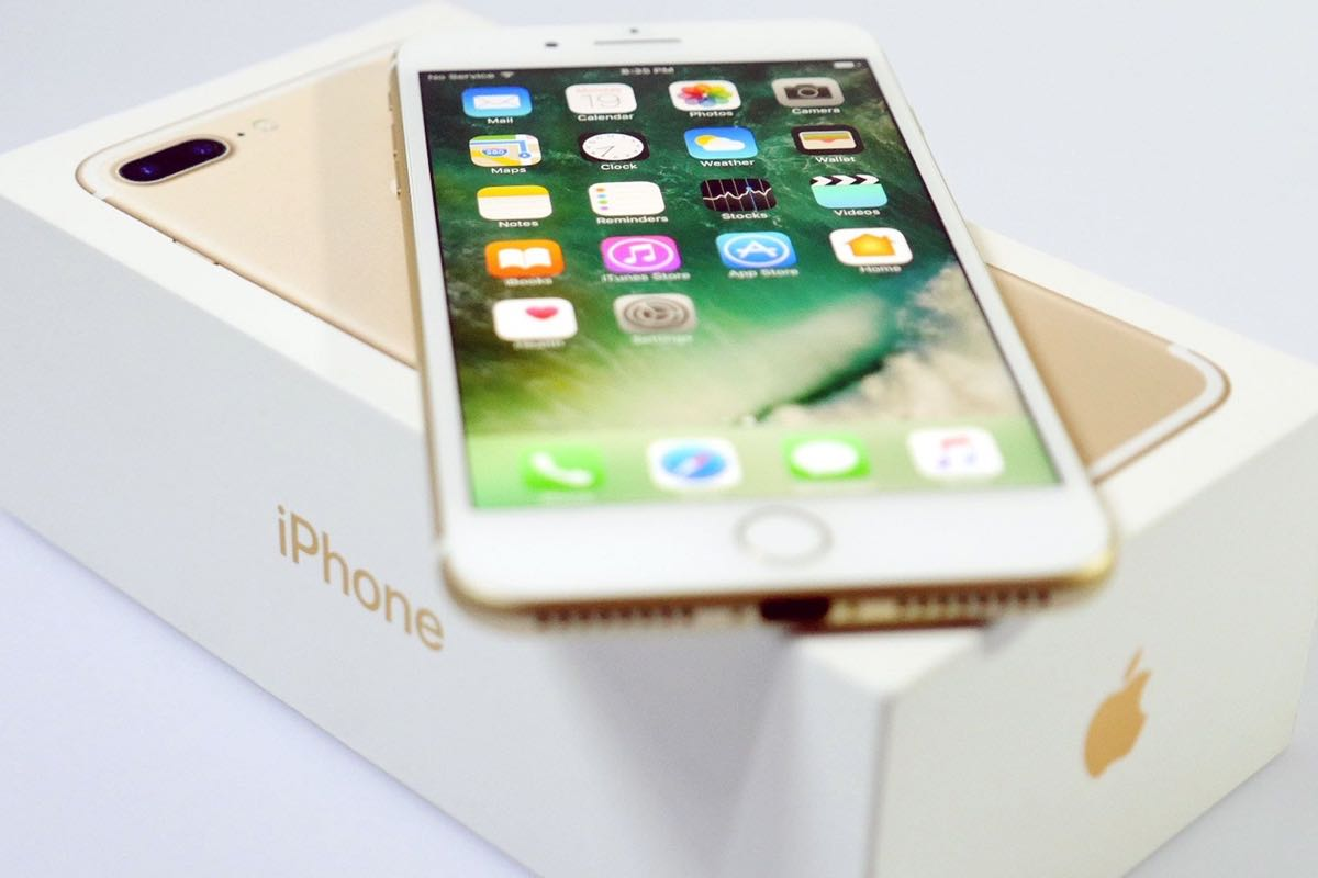 Apple iPhone 7 iPhone 7 Plus Buy Shop Russia review top