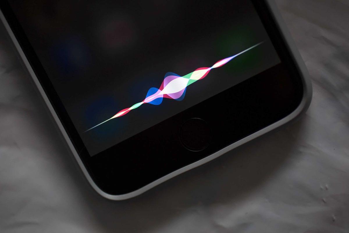 Apple iPhone 7 Siri Russia 2