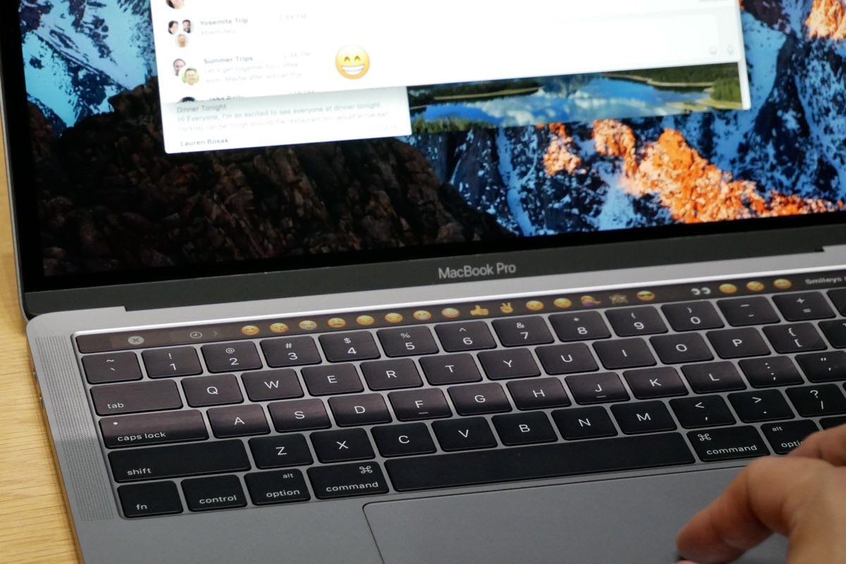 MacBook Pro OLED Touch Bar Apple New