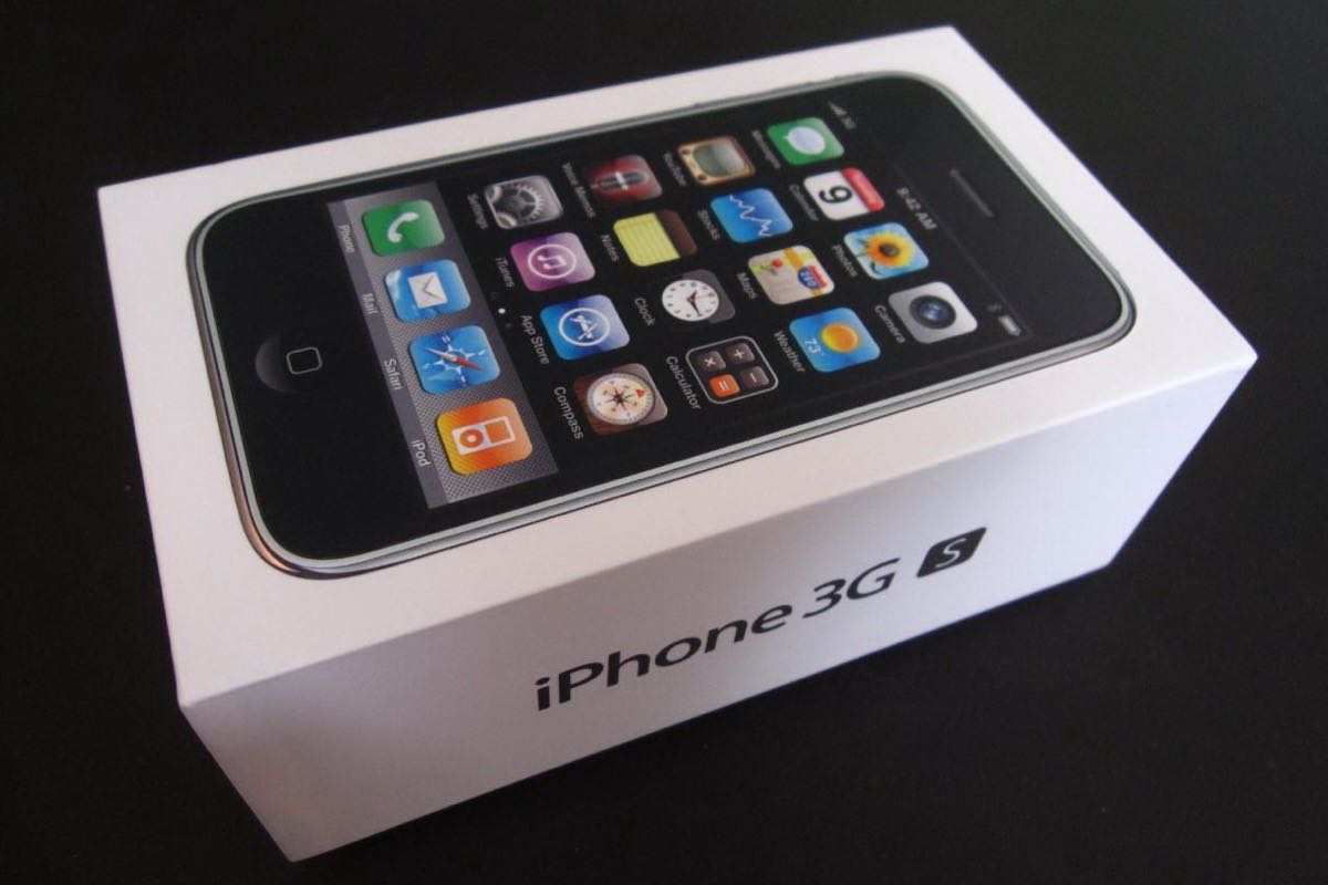 apple iPhone 3GS 4