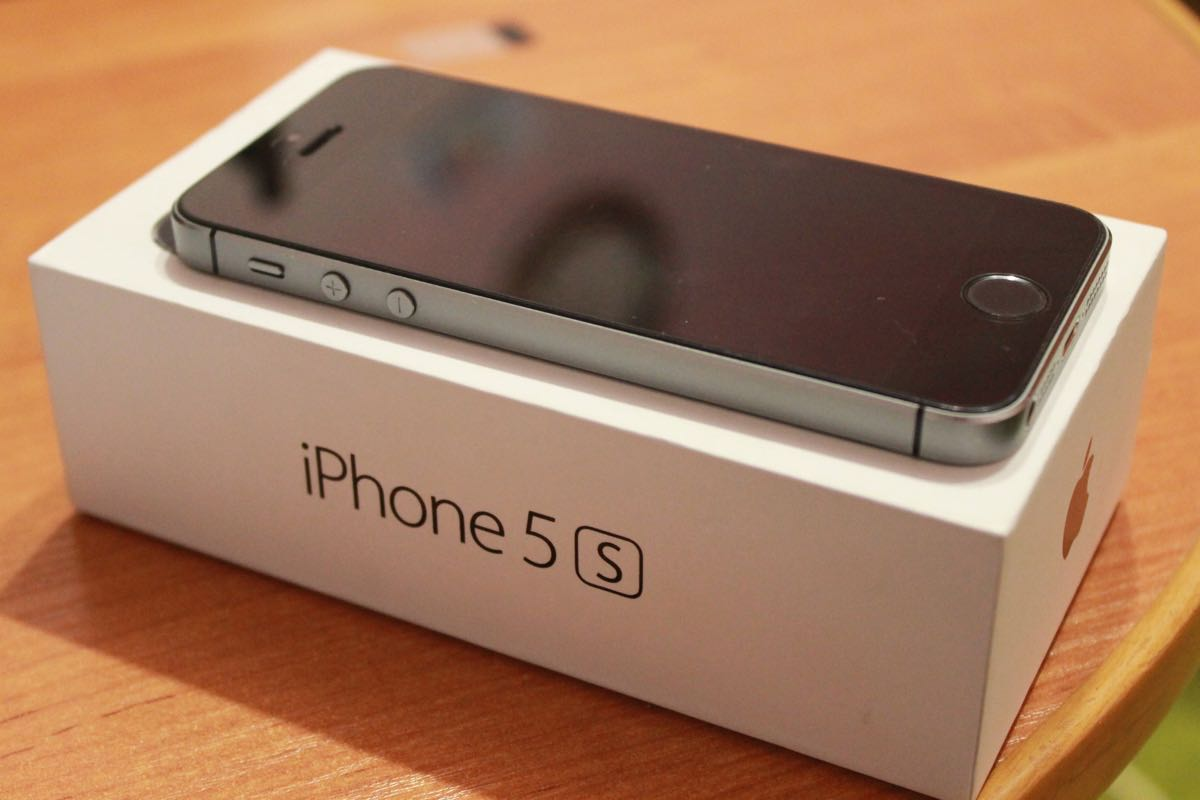 Apple iPhone 5s Buy USA Russia 2