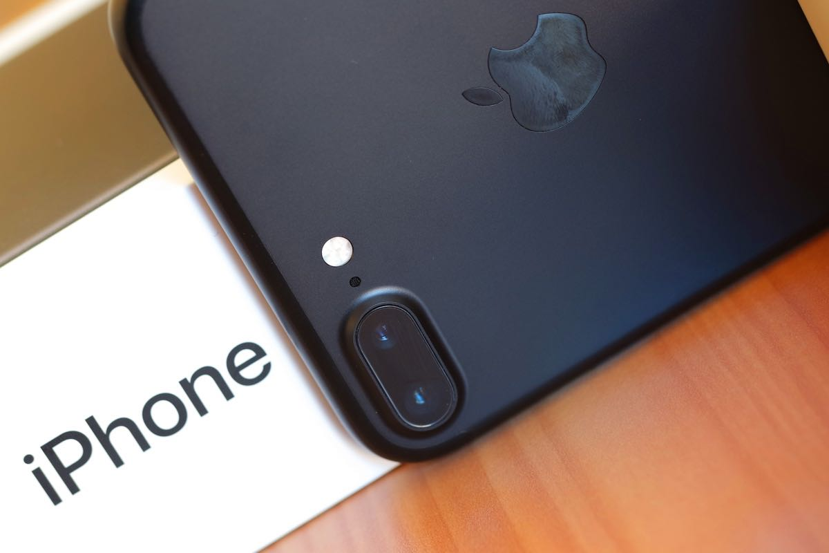 Apple iPhone 7 Plus 5