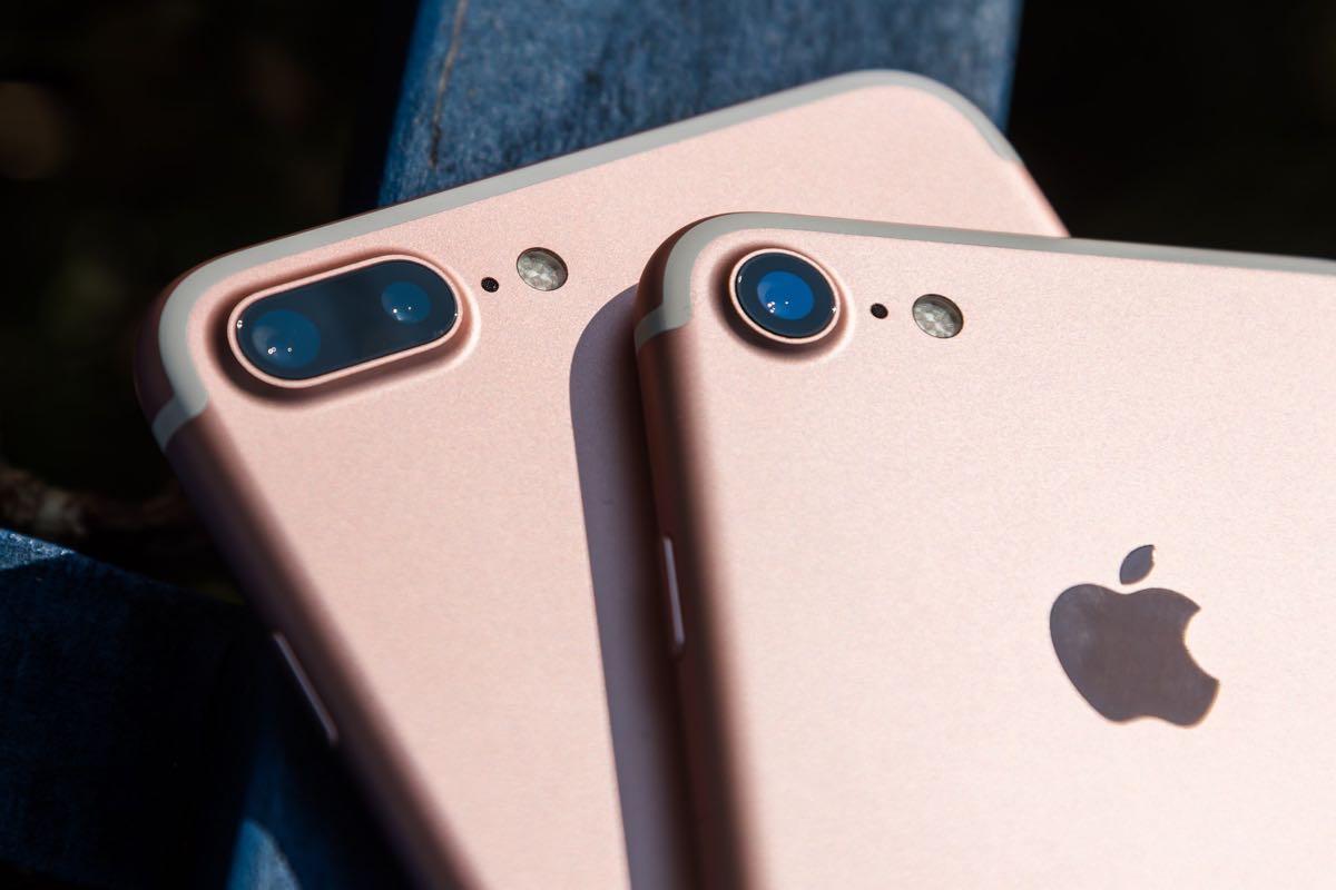 Apple iPhone 7 vs. iPhone 6s 3