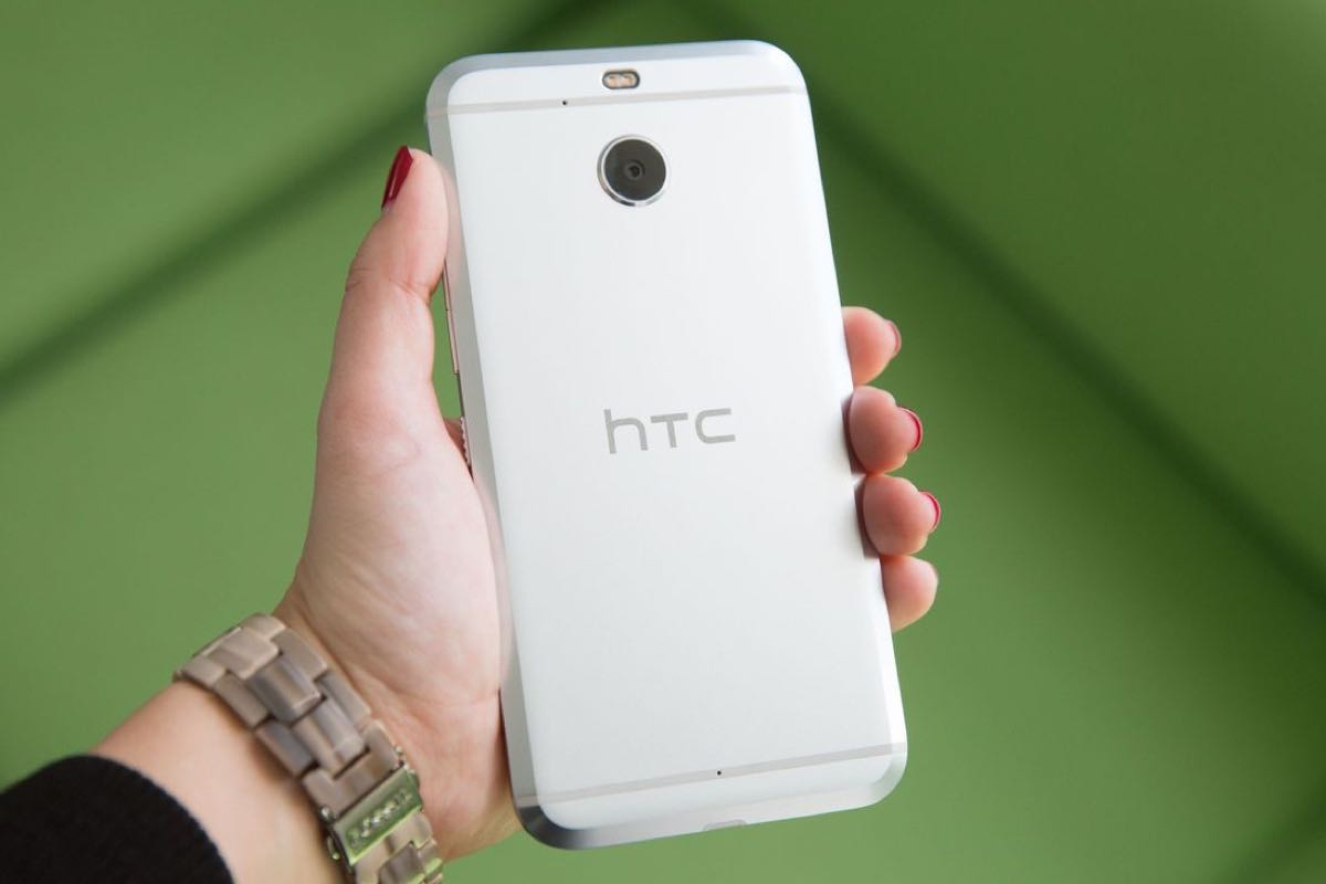 HTC 10 evo 4