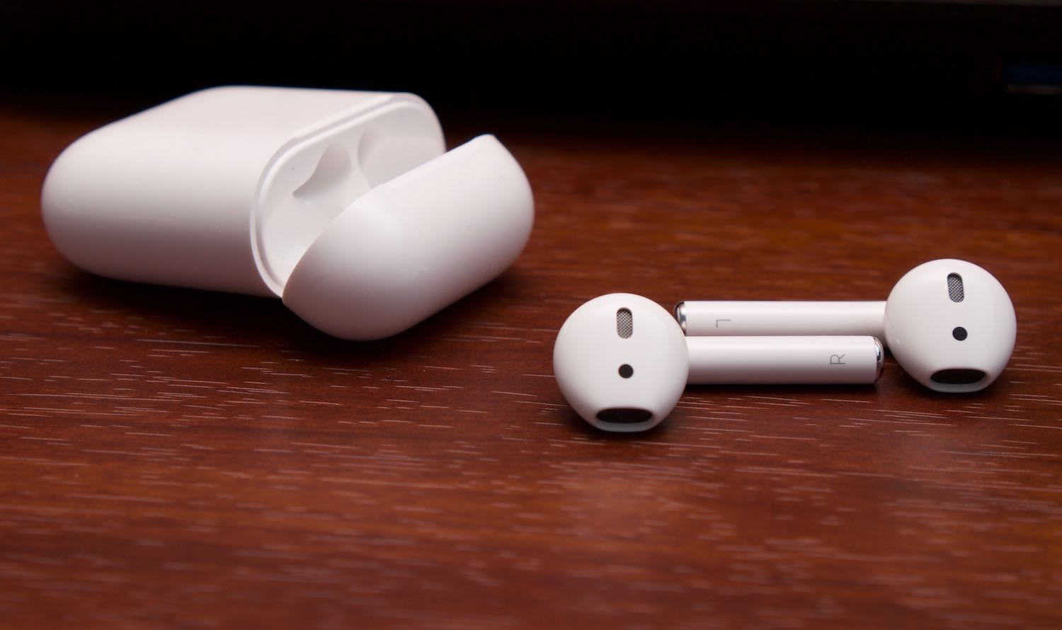 AirPods Apple Russia 1