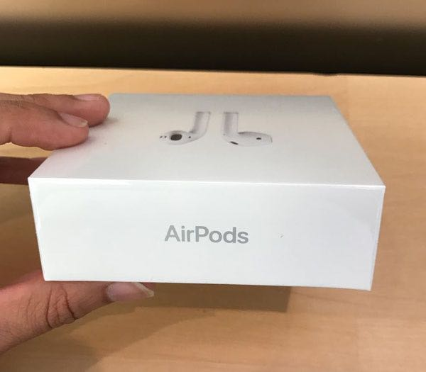 Apple AirPods Russia
