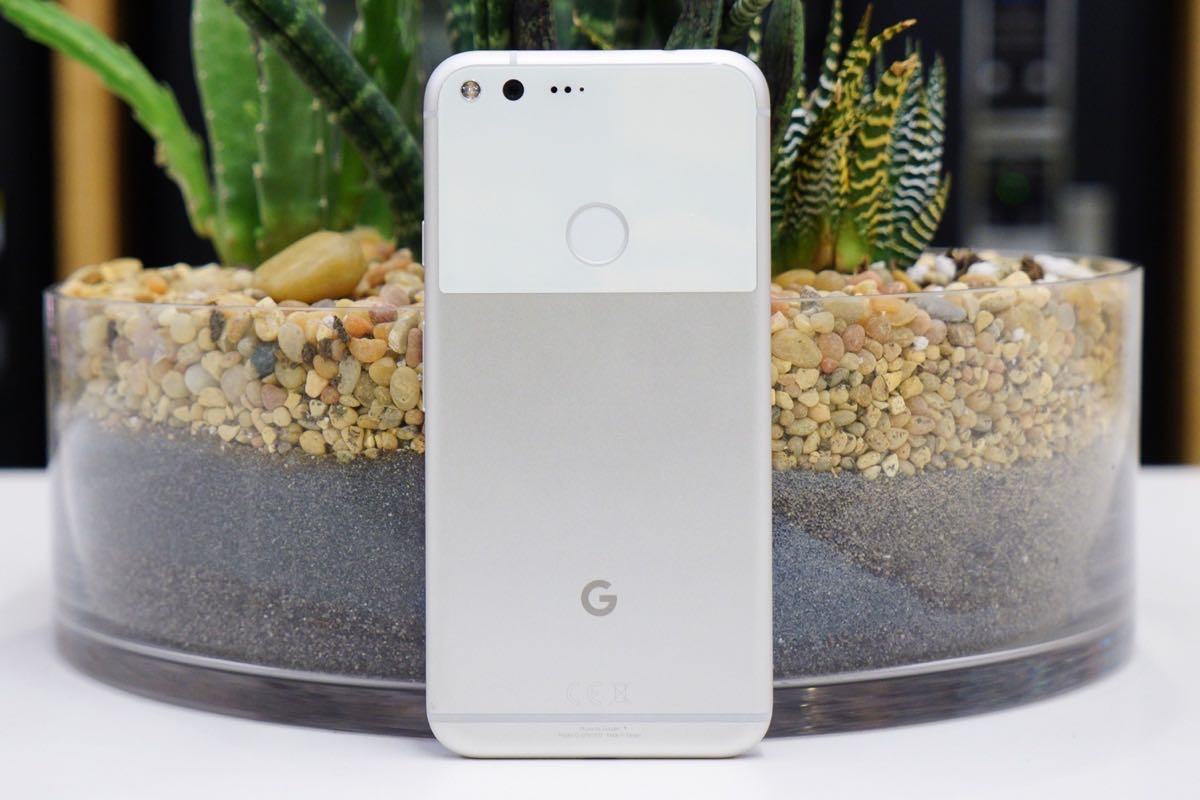 Google Pixel M SmartPhone Andromeda OS Android 8.0 2