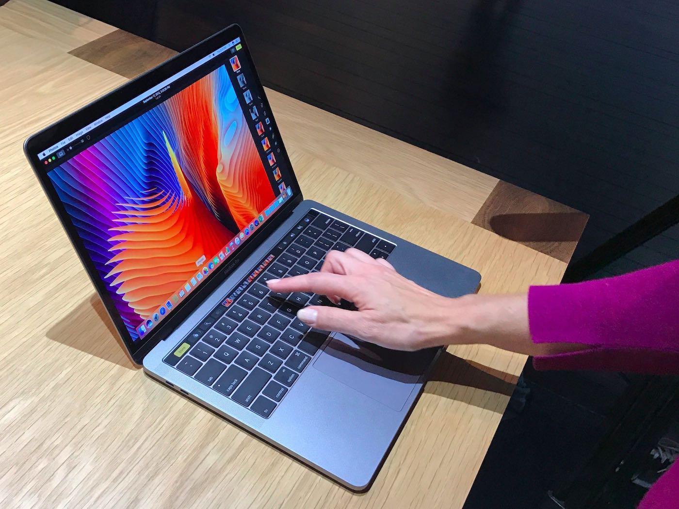 MacBook Pro Touch Bar 3