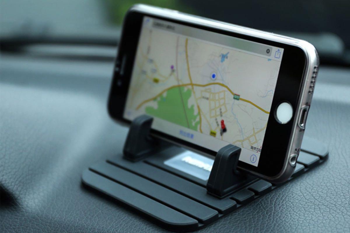 Apple Auto iPhone Car 2
