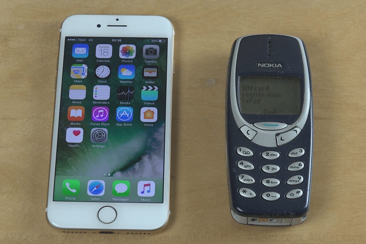 Nokia 3310 vs iPhone 7 Apple