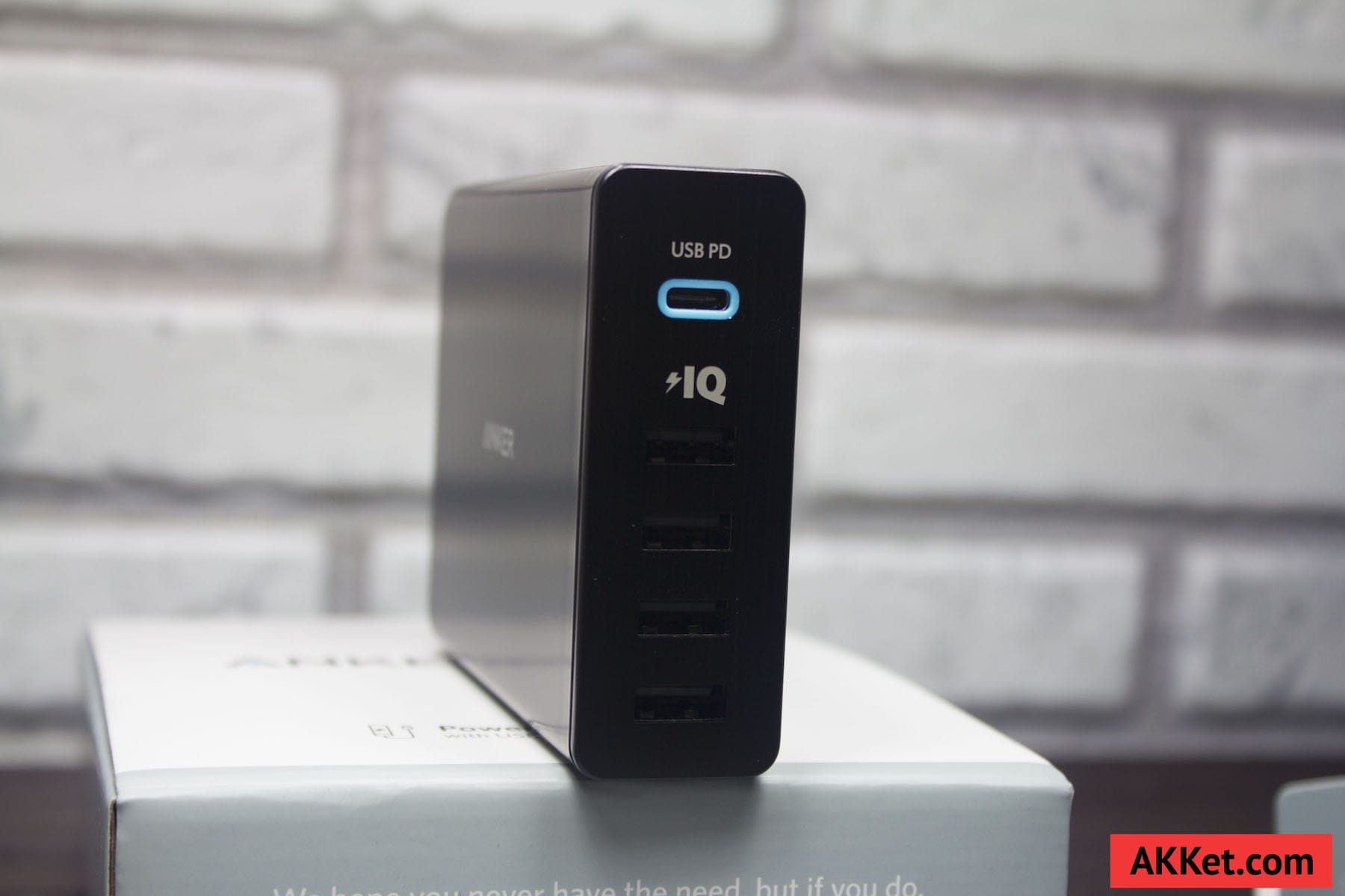 Anker PowerPort+ 5 USB-C Review Russia AKKet.com Charge iPhone 4