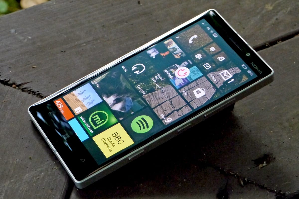 Microsoft Surface Phone 2017 2