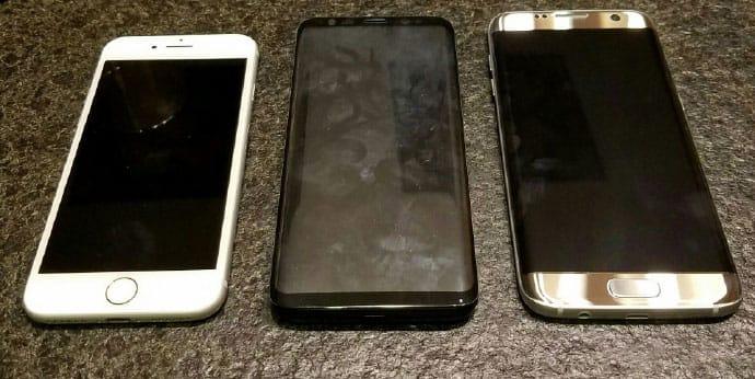 Samsung Galaxy S8 iPhone 7 3